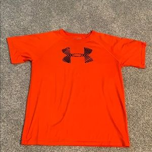 Boys Under Armour short sleeve T-shirt